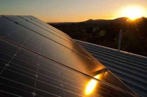 25-1999263-solar panels_t620
